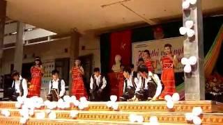 10a4 chieu len ban thuong mua 20 11 2011 thpt lang giang so 1