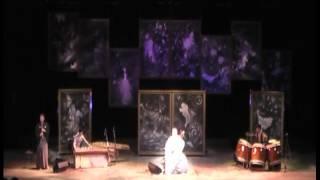 津軽三味線奏者 福居幸大さん率いる『龍人』のコンサート。舞台のバック...