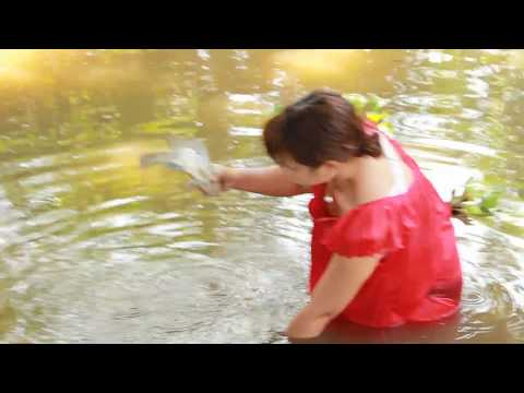 WOW-Sexy-girls-catch-fishing-by-simple-tool-How-to-catch-fishing?