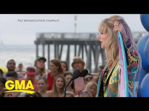 Taylor Swift accepts 1st Icon Award at the Teen Choice Awards l GMA