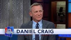"Daniel Craig And Rami Malek Shared A Kiss After A Long ""James Bond"" Writing Session"