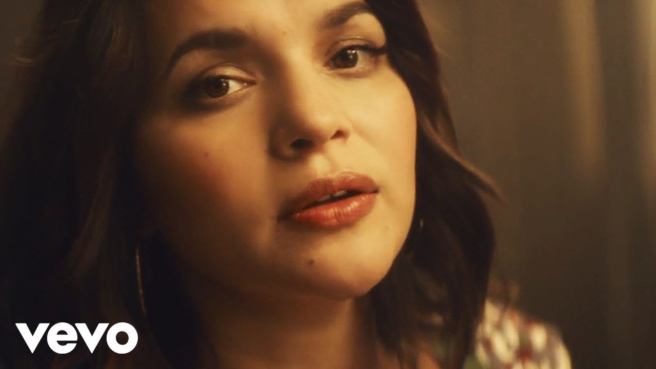 Norah Jones - Carry On (Official Music Video)
