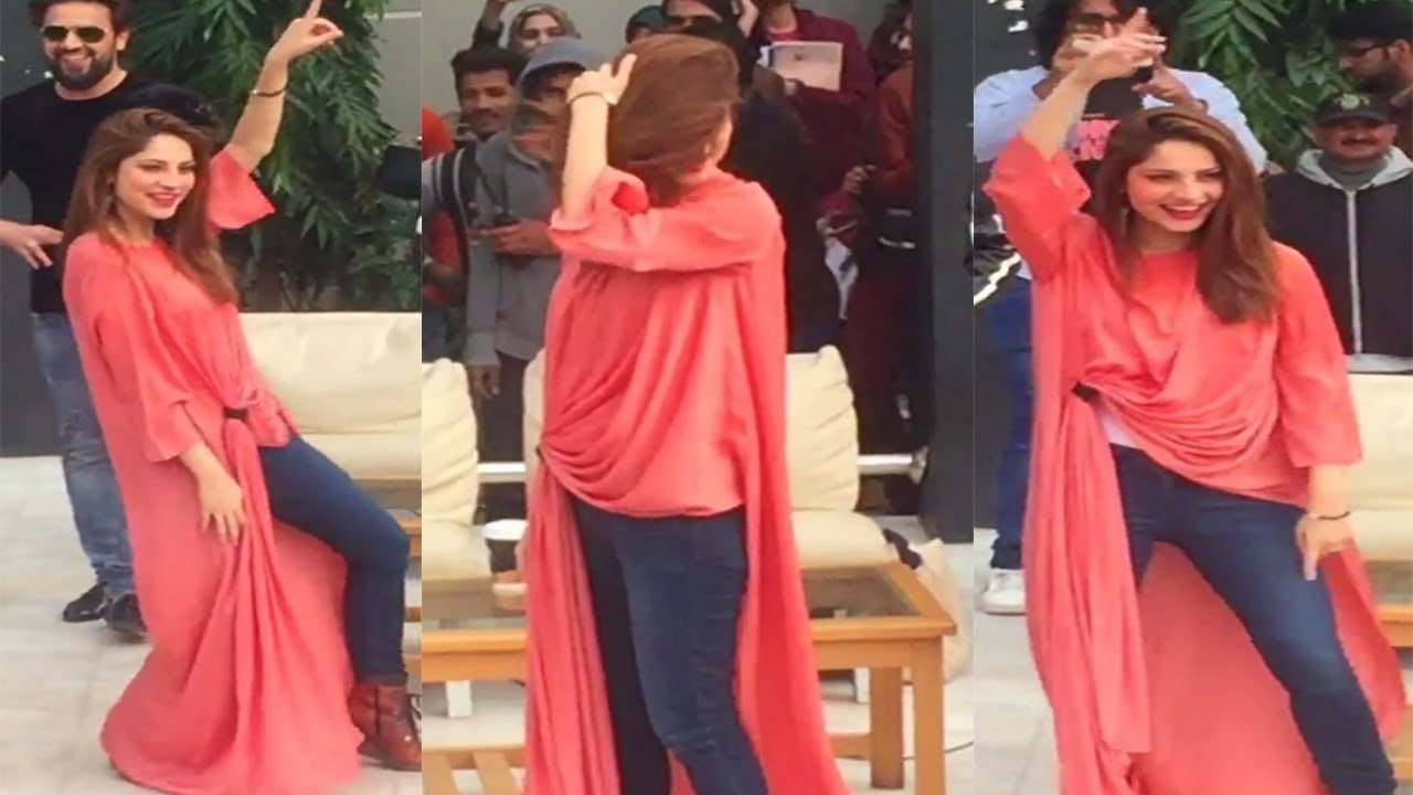 foto de Chupan Chupai Neelam muneer dance Another live Dance