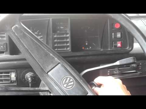 START engine at bottom VW Transporter T3.mp4