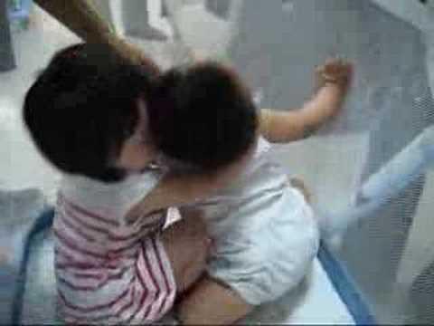 麒祐被強吻