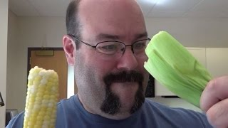 Foolproof Trick To Easily Remove Silk From Corn