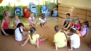 Детская йога в Микрошколе Монтессори.