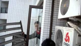 Video Worlds Most Dangerous Job... Air Conditioner Repair Man download MP3, 3GP, MP4, WEBM, AVI, FLV Juni 2018