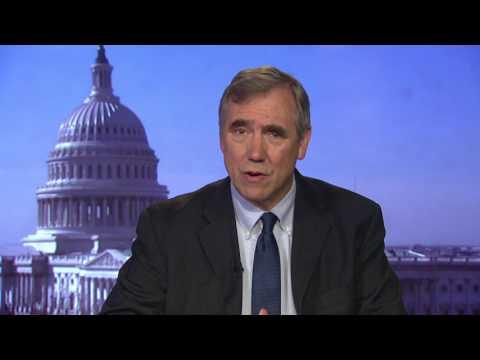 "Sen. Jeff Merkley recounts drama during ""skinny repeal"" vote"
