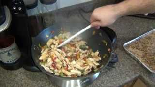 Cooking :  Simply Chicken Stirfry + Peanut Noodles