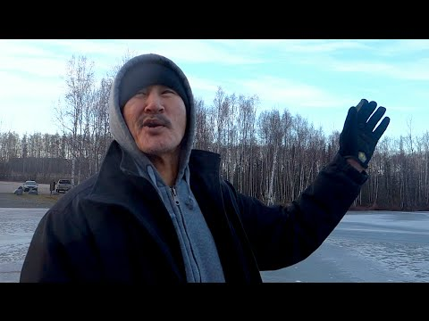 FISHING WITH AN ESKIMO - [Living in Alaska 60]