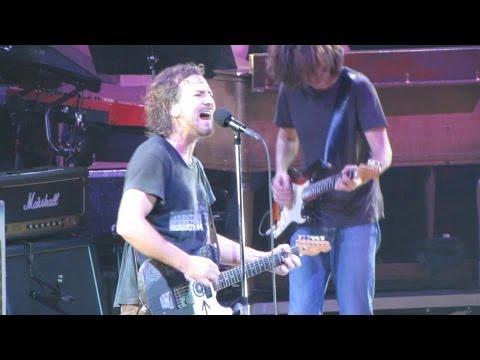 Pearl Jam: I Got Id [HD] 2010-05-15 - Hartford, CT mp3