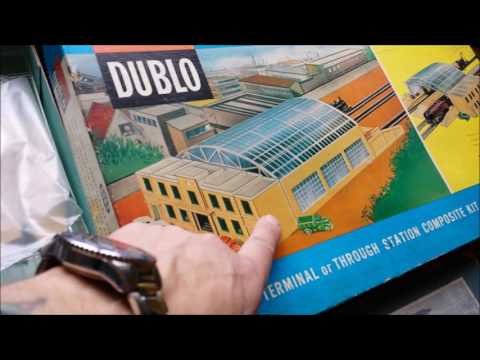 {10} HORNBY DUBLO BUILDINGS