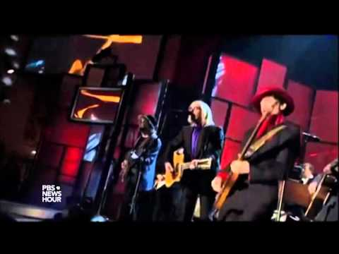 Watch Prince wail on 'While My Guitar Gently Weeps'