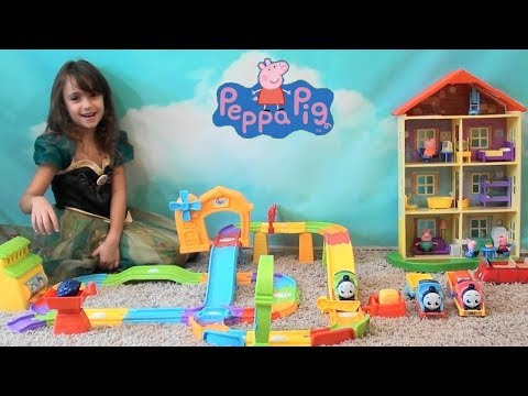 Peppa Pig and Thomas the Train: Peppa Pig House Happy Family and Thomas and Friends Play Set