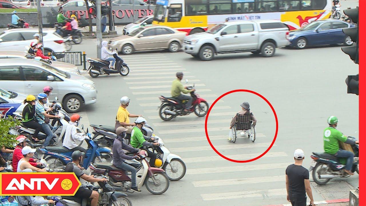 Ai sẽ giúp đỡ người khuyết tật trên xe buýt? | Kỹ năng sống [số 145] | ANTV