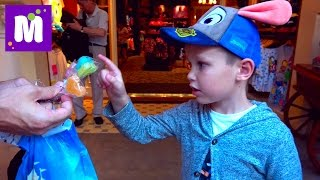 Диснейленд Гонконг весело проводим время ПРИКОЛ с Пекинской Уткой в ресторане смотреть до конца(Все Видео Канала Mister Max: https://www.youtube.com/channel/UC_8PAD0Qmi6_gpe77S1Atgg/videos Спасибо, что смотрите мое видео! Ставьте лайки!, 2016-07-19T15:59:49.000Z)