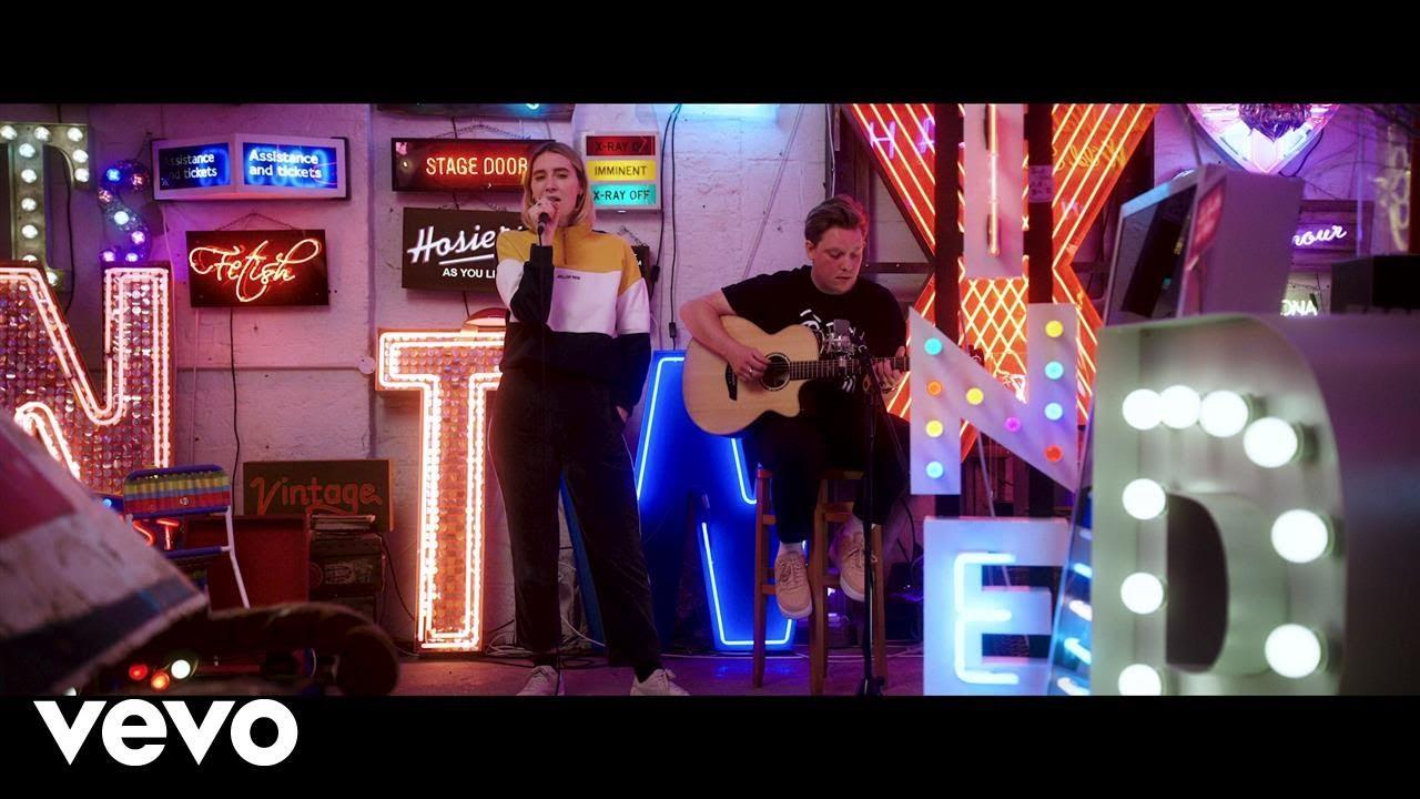 fickle-friends-hard-to-be-myself-live-acoustic-ficklefriendsvevo