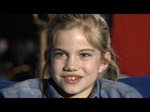 25 Years Later: 'Veep' Star Anna Chlumsky Still Practices Exercises Learned on 'My Girl'
