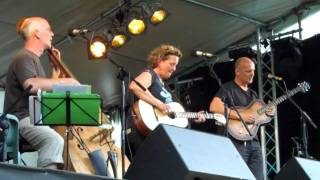 Helen Watson Trio - Love is the only thing - Party on the Lawn 19/6/10