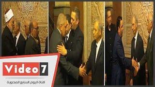 محلب وعلى جمعة ومحمد فؤاد يؤدون واجب العزاء فى وفاة الإعلامى أمين بسيونى