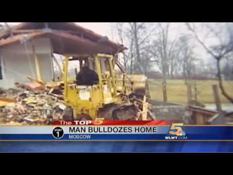 Man Bulldozes Own Home to 'Make Banks Think Twice About Foreclosure'