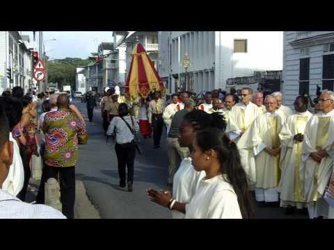 Processie Kathedraal wordt