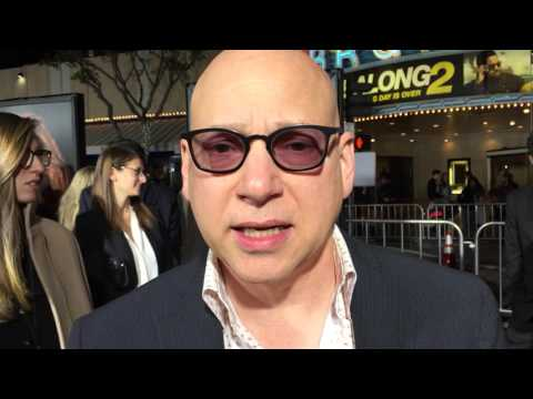 Evan Handler chats on the red carpet for 'The People v. O.J. Simpson' premiere