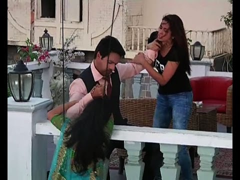 Download Tumhari Pakhi: Tanya-Pakhi's action packed scene - IANS India Videos