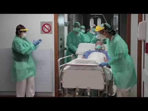 Aplausos al segundo paciente de Povisa que sale de la UCI por el coronavirus