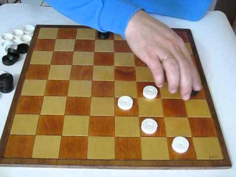 MVI 2486 Как искать комбинации. Интересные примеры ударов в шашках.