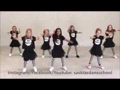 رقص اطفال اجنبي 2017 شوفو كيف يرقصو واله اروع thumbnail