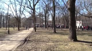 Дикие очереди в зоопарк Харькова 08.03.14. груды корма животным, компиляция видео за день
