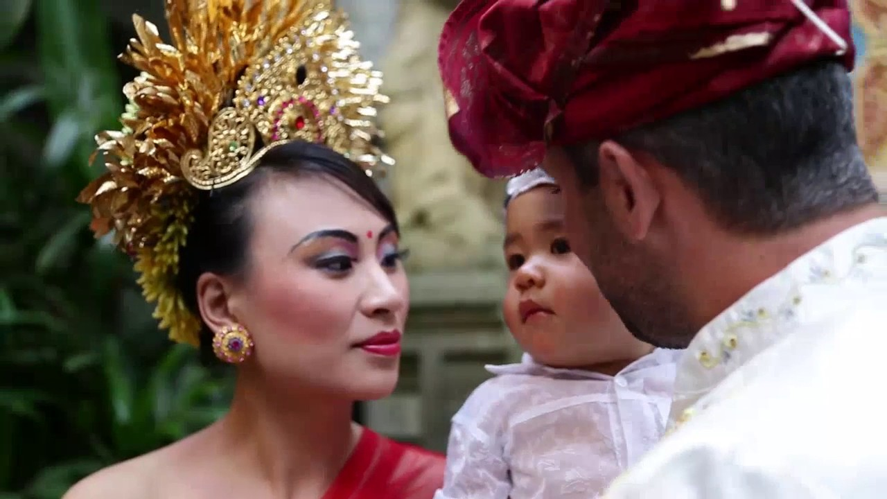 Tradi Home Wedding Blessing At De Umah Bali Eco Tradi Home