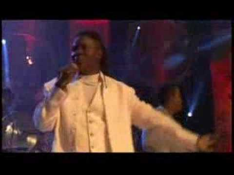 EARTH, WIND & FIRE - September (live) - YouTube