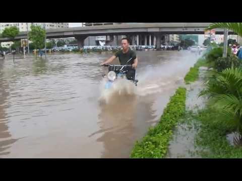 Lụt từ ngã tư đường phố- Tự Long-Xuân Bắc-Công lý