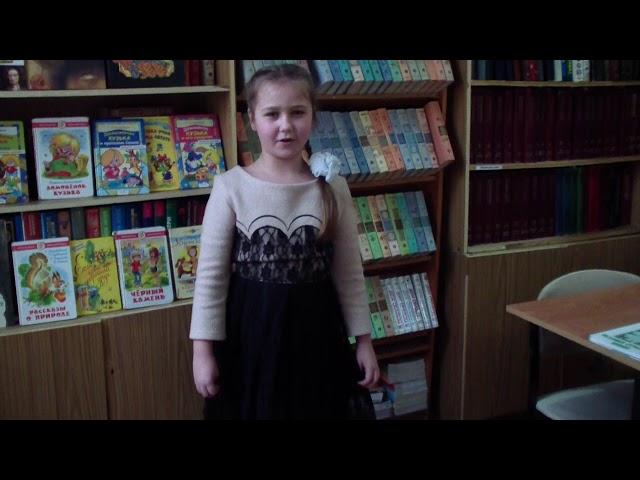 Изображение предпросмотра прочтения – СветланаДурнайкина читает произведение «Коршун» А.А.Блока