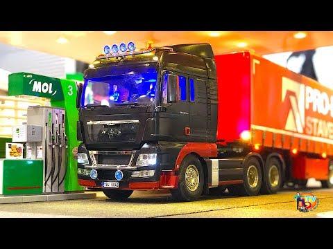 RC TRUCK MAN TGX 26.540 6x4 MODELLBAU In PRAG