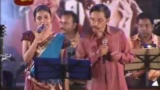 GEETH MADHURI MUSICAL SHOW 2010....Modern Girl [1961]    Ye Mausam Rangeen Sama -