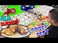 OUR 1ST FIDGET FEST!UNCLE CRUSHER ORDERS 6 LB SANDWICH!REAL HORSE IN CANDY STORE! DINGLEHOPPERZ VLOG