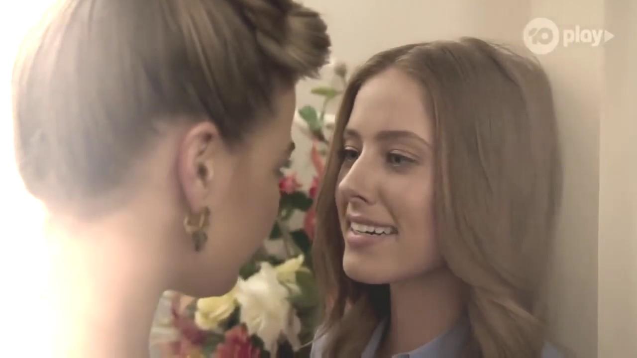 Chloe and Elly + Mel - Solo (Jennie)