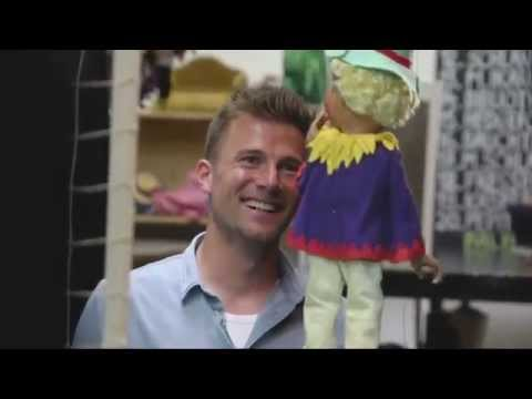 FCA-Profi Daniel Baier in der Augsburger Puppenkiste