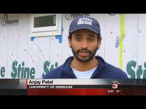University of Missouri students help build homes in Lafayette