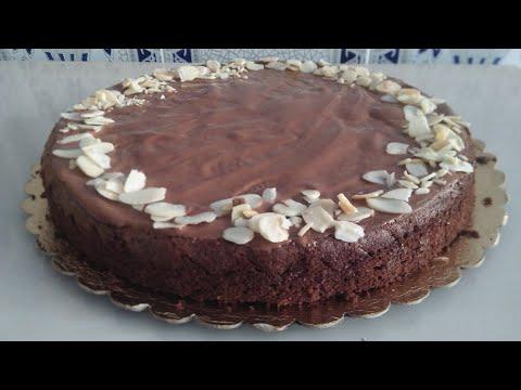 gâteau-moelleux-chocolat-tomate-sans-beurre-recette-de-hervé-cusine--كيكة-شكولاطة-مع-طماطم-بدون-زبدة