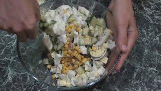 Салат с тунцом яйцом и кукурудзой  /Salad with tuna egg and kukurudza/