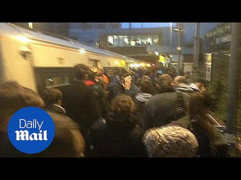Commuter Train Evacuated At Dalston Kingsland - Daily Mail
