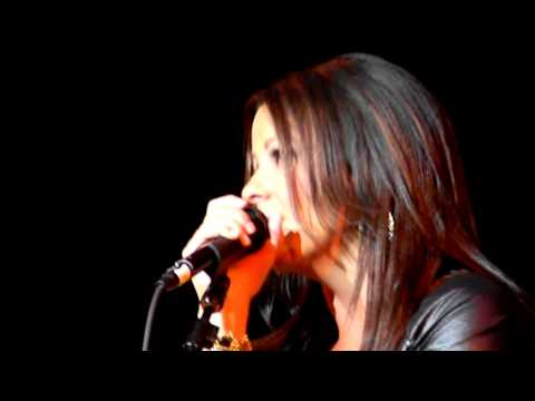 Sara Evans - Suds In The Bucket - Auburn, Washington - May 9, 2011