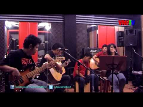 Agnestha And The Boys - Cukuplah Sudah (XO-IX Acoustic Cover)