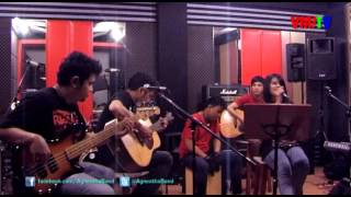 Video Agnestha and the Boys - Cukuplah Sudah (XO-IX Acoustic Cover) download MP3, 3GP, MP4, WEBM, AVI, FLV April 2018