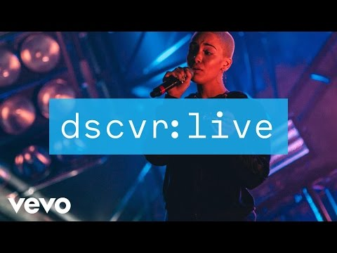 Jorja Smith - Something in the Way (dscvr Live)
